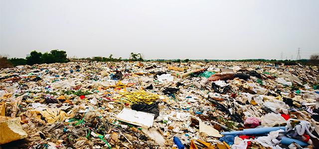 廃棄物回収の値段が高騰化。背景にある「環境問題」を考える。