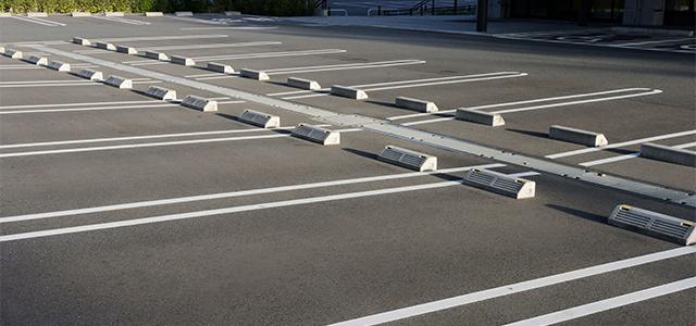 駐車場の白線引きを行い、より利用しやすい駐車場に。